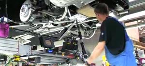 Radnik u BMW tvornici