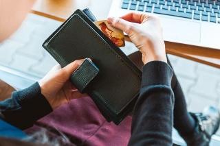 Najviša prosječna mjesečna neto plaća isplaćena je u proizvodnji i iznosila je 16.117 kuna