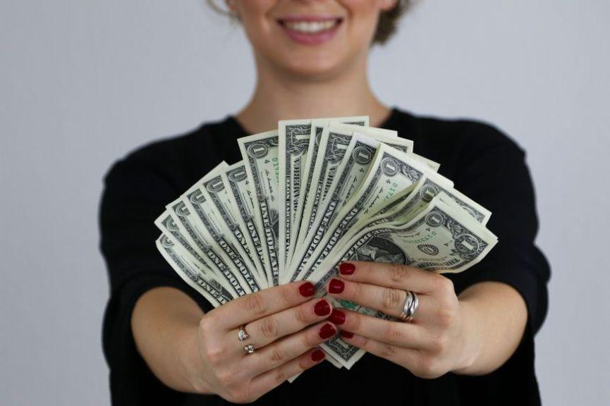 Hvale vrijedan potez: Šef sebi smanjio plaću kako bi je podigao zaposlenicima