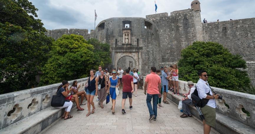 Izvješće UN-a pokazuje da je Hrvatski turistički sektor je među tri najpogođenija na svijetu