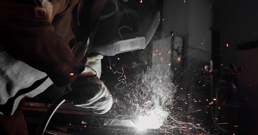 Broj zaposlenih u industriji pao na mjesečnoj i godišnjoj razini