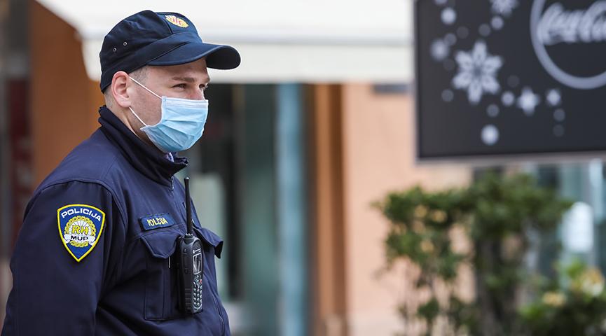 Iz Vladina Znanstvenog savjeta najavljuju: 'Maske ćemo najesen nositi i na otvorenome'