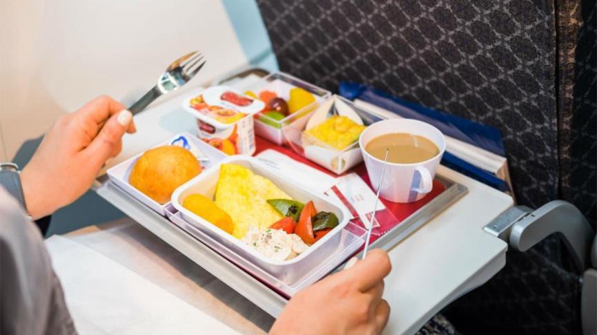 Zrakoplovna tvrtka izbjegava otkaze prodajom hrane u trgovini