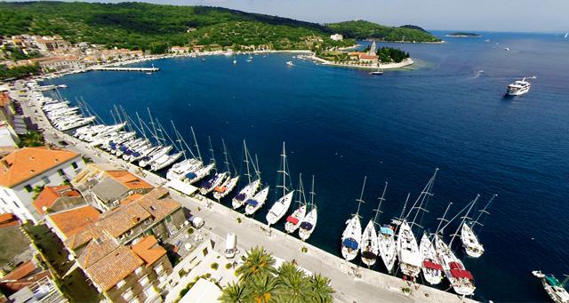 Dobro živjeti i raditi na jednom od predivnih otoka. Nude se pristojne plaće, smještaj, ali i mogućnost nagrade za dobar rad.
