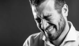 Osam od deset ljudi priznalo je da je plakalo na poslu