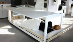 Radni stol na kojem možete i odspavati