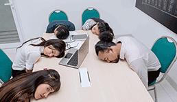 Japanski radnici mogu spavati na radnom mjestu!