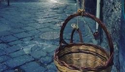 U košarama ostavljaju potrepštine za one koji su ostali bez izvora prihoda