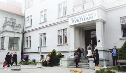 Zvijezda donirala 100.000 kuna bolnici Sveti Duh za opremu za dojenčad