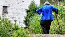 Vlada za starije bez mirovine planira mjesečnu nacionalnu naknadu od 800 kuna