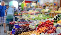 Porasla prodaja hrane i lijekova, a prodaja odjeće pala za 58 posto