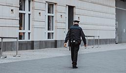 Njemačka ograničava okupljanja i uvodi kazne za one koji ne nose maske