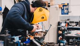 Slovenski industrijski radnici više nego dvostruko produktivniji od hrvatskih