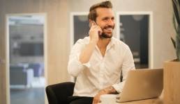 Nije pristojno zvati suradnike odmah kad počne radno vrijeme