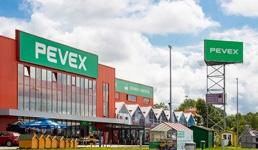 Pomoć stradalima: Pevex poslao folije za prekrivanje krovova 200 kuća