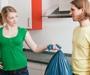 Zaposlene majke pola dana rade dva posla istodobno