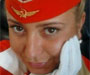 Stjuardesa dobila otkaz zbog fotke na kojoj pokazuje srednji prst
