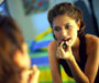 Samopouzdanje je najpoželjnija karakteristika, a žene ga postižu uz pomoć šminke
